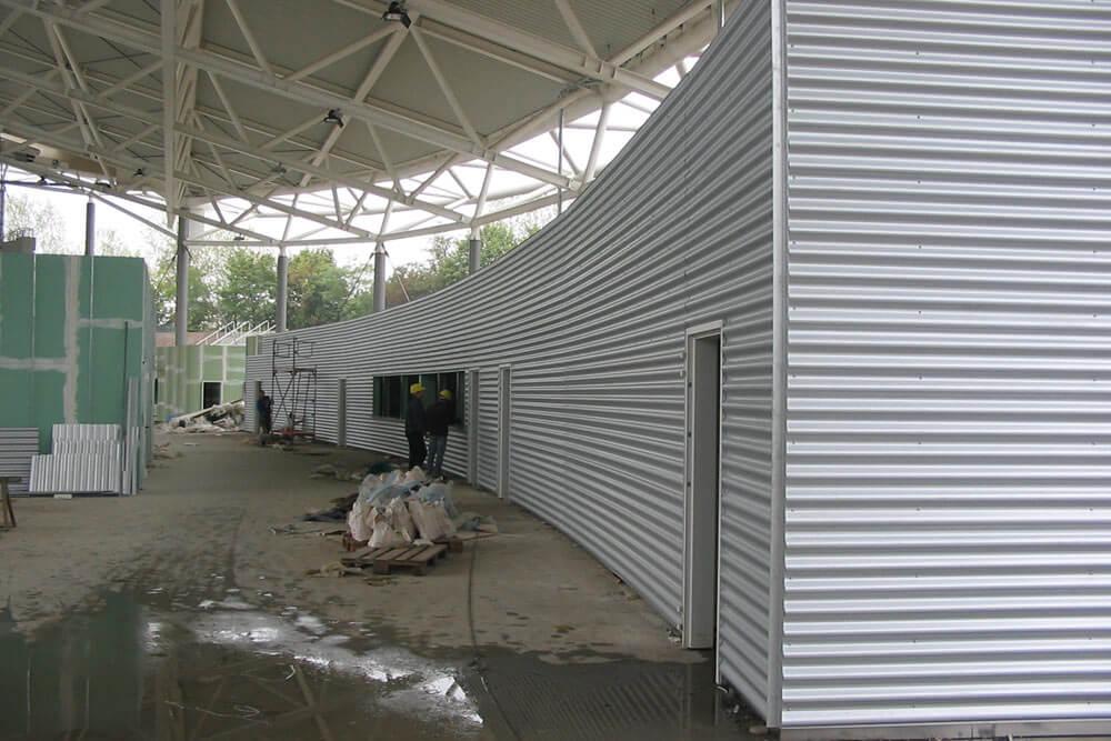 Mitarbeit Wandverkleidung Stadion